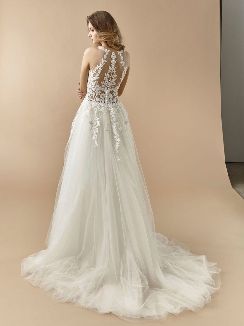 Beautiful by Enzoani Wedding gown dress BT20-10 back