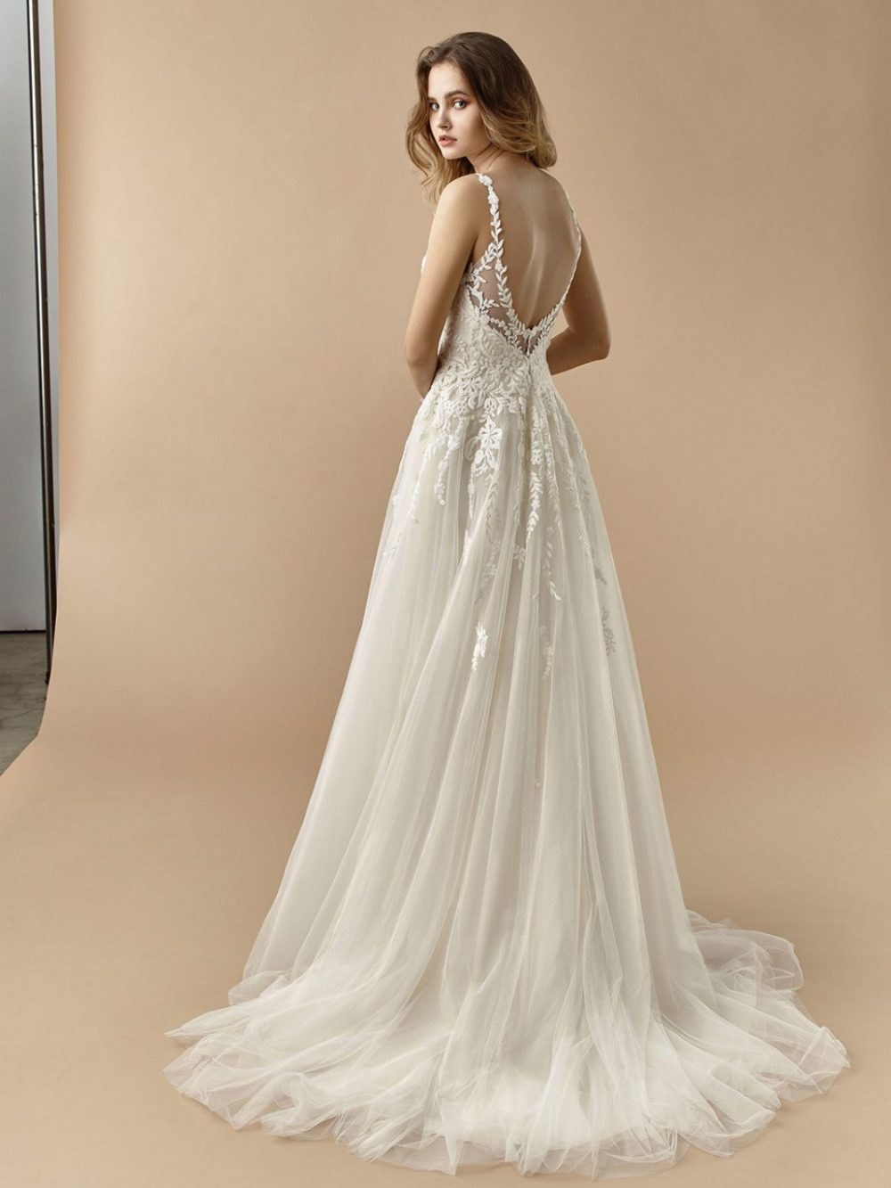 Beautiful by Enzoani Wedding gown dress BT20-15 back
