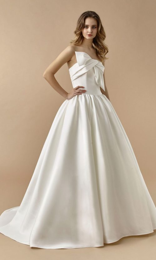 Beautiful by Enzoani Wedding gown dress BT20-08