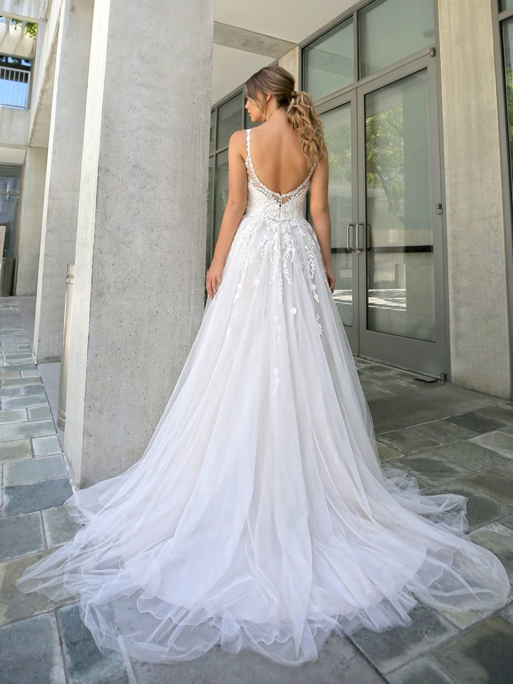 Beautiful by Enzoani Wedding gown dress BT20-15 white back