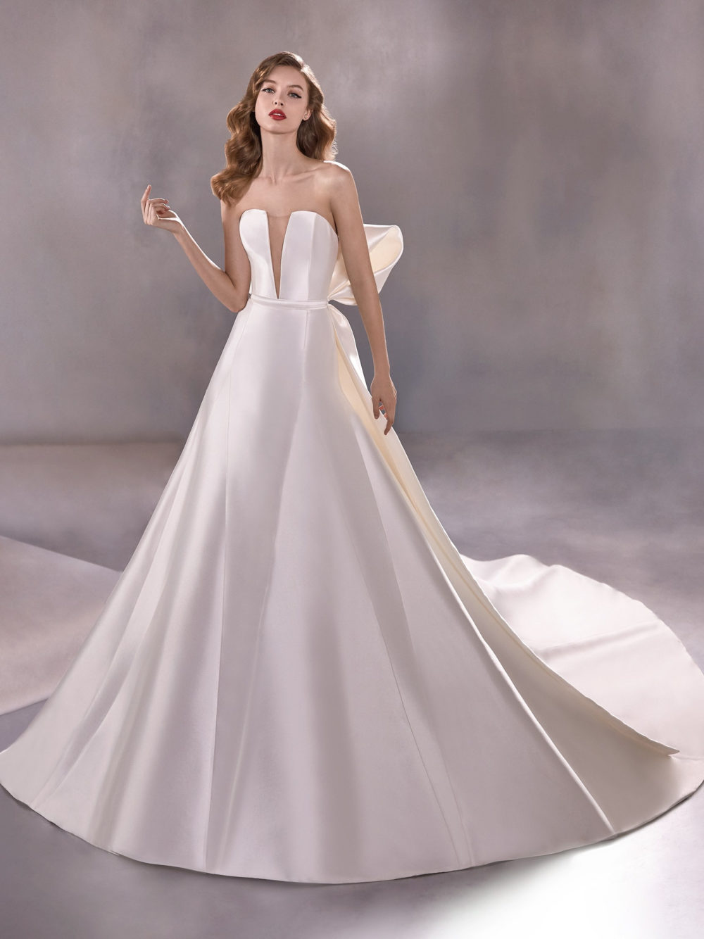 Pronovias Atelier Collection Estrella Wedding Gown Dress 2020