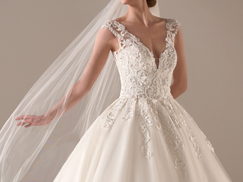 Indra Wedding Dress Gown from Pronovias Privee Collection H