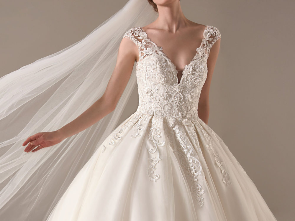 Indra Wedding Dress Gown from Pronovias Privee Collection J
