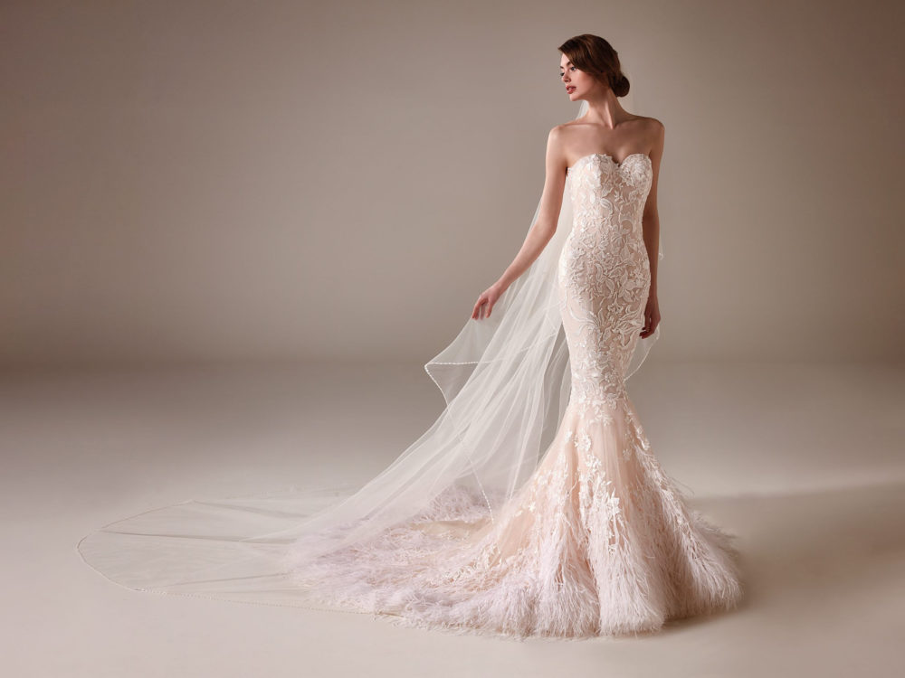 Madeleine Wedding Dress Gown from Pronovias Privee Collection