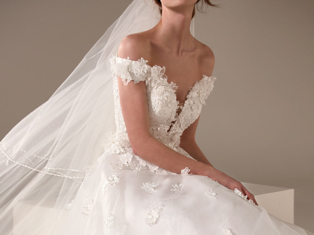 Michelle Wedding Dress Gown from Pronovias Privee Collection J