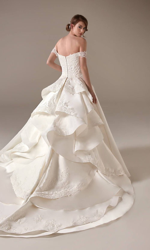 Nancy Wedding Dress Gown from Pronovias Privee Collection